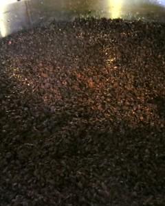 イノックスタンクで発酵中の バローロ・ボスカレート